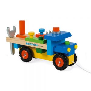 camion-de-bricolage-bois